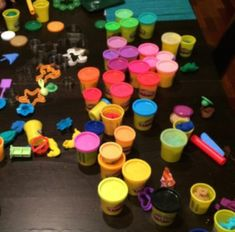 This is a great list of inexpensive party favors your kids (really) want…