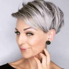 "Looking for a new short hairstyle to spice up your style? In this post you will find the best pictures of 20 latest Short haircuts that will totally inspire you! Frisuren videos 20 Latest Short Hairstyles That Will Make You Say ""WOW"" Latest Short Hairstyles, Short Hairstyles For Thick Hair, Short Pixie Haircuts, Short Hair Styles, Older Women Hairstyles, Medium Hair Styles, Popular Hairstyles, Short Undercut Hairstyles, Short Hair With Undercut"