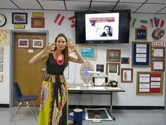 Cassie Stephens: In the Art Room: Reversible Dot Paintings Art Lessons For Kids, Art Lessons Elementary, Art For Kids, Art Classroom Management, Bus Art, Cassie Stephens, Teacher Blogs, Art Teachers, Montessori Art