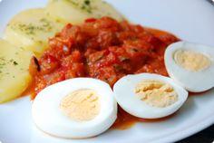 Pisto con patatas y huevo | Velocidad Cuchara. Como la receta de Luisa ✿Teresa Restegui http://www.pinterest.com/teretegui/✿