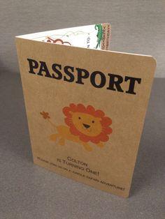 Invitación de cumpleaños de pasaporte conjunto por PeacockParties                                                                                                                                                      Más
