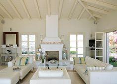 weißes wohnzimmer mediterräner wohnstil decken gestaltung ... - Wohnzimmer Landhausstil Gelb