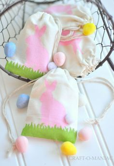 Easter Bunny Stenciled Bags #Eastercrafts #Easter