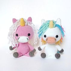 crochet pony **This is a PDF Pattern Tutorial, not a finished or made-to-order item!**Make your own Rainbow Unicorn in just a few hours! Use your imagination to customize its colors for e Crochet Pony, Crochet Unicorn Pattern, Crochet Mermaid, Crochet Hooks, Amigurumi Patterns, Crochet Patterns, Amigurumi Toys, Chunky Yarn, Rainbow Unicorn
