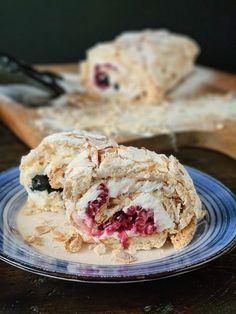 Baking Recipes, Cake Recipes, Dessert Recipes, Romanian Desserts, Good Food, Yummy Food, Dessert Drinks, Pavlova, Something Sweet
