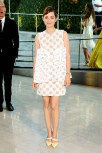 Marion Cotillard in Christian Dior Couture - 2014 CFDA Fashion Awards Christian Dior Couture, Little White Dresses, Nice Dresses, Dresses 2014, Short Dresses, Celebrity Red Carpet, Celebrity Style, Marion Cotillard Style, Marion Cottilard