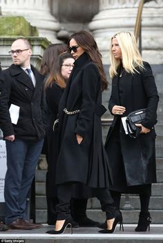 vogue-manila: daily–celebs: - Victoria Beckham at Louise Wilson's Memorial Service in London. Louise Wilson, Victoria Beckham Stil, Funeral Attire, Estilo Glamour, Join Fashion, Vogue, Hipster, Celine, Grunge