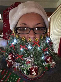 #whiskerina #christmas #christmasbeard #beard #beards #mustaches #mustache #creative #creativebeard #ChristmasTree