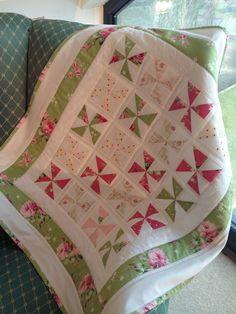 Small Pinwheel Quilt