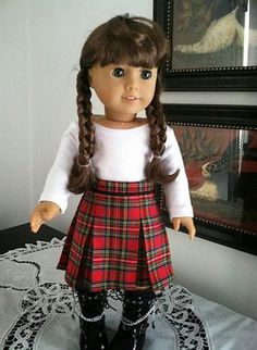 """Sew up a sweet pleated skirt from a FREE PATTERN! Get the link for this pattern plus an entire wardrobe for your 18"""" doll. Mousewing and Robin"""