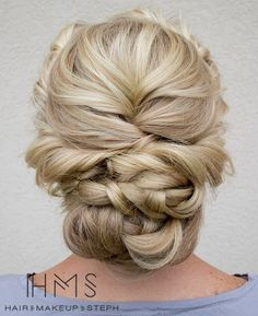 Gorgeous...this would be so fun to recreate! Reminds me of my wedding 'do!