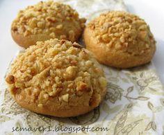 Ne zamandır denemek istediğim kurabiyeleri geçen hafta  deneme fırsatı buldum. Temelde aynı hamuru kullanarak 3 çeşit kurabiye elde ett...