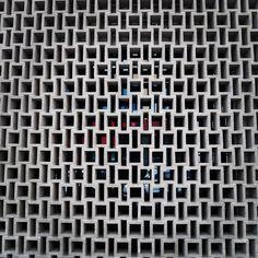 No photo description available. Decorative Concrete Blocks, Decorative Panels, Fence Design, Wall Design, Brick Rendering, Wall Section Detail, Brick Works, Brick Masonry, Brick Detail