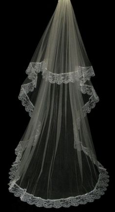 Silk tulle veil, bridal veil - 100% silk tulle wedding veil with Chantilly lace edge beaded with Swarovski crystals - Isabella