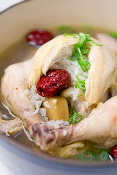 Samgyetang- Korean soup with Cornish hens stuffed with rice,ginseng, dates, green onions. Korean Chicken Soup, Asian Soup, Chicken Soup Recipes, Chicken Rice, Korean Dishes, Korean Food, Kimchi, Ginseng Chicken Soup, Healthy Recipes