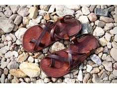 994a9e9b01f1 Ručně vyráběné kožené sandále. Široká nabídka kožených barefoot sandálů  vyráběných přímo na míru. Na výběr z mnoha barevných odstínů.