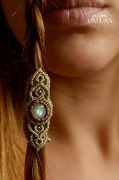 Elvish ring or hair jewellery. Dread Jewelry, Dreadlock Jewelry, Dread Beads, Textile Jewelry, Hair Beads, Macrame Jewelry, Macrame Bracelets, Dreads, Micro Macramé