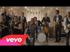 ▶ Sharon Jones & the Dap-Kings - Stranger to My Happiness - YouTube - horns, energy, backup singers