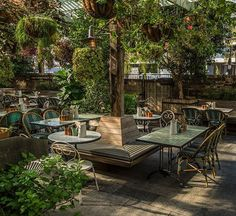 The Oxley 121 Yorkville Avenue, Toronto 📷 : abhishekdekate Outdoor Restaurant Patio, Terrace Restaurant, Outdoor Cafe, Design Bar Restaurant, Deco Restaurant, Coffee Shop Design, Cafe Design, Restaurant En Plein Air, Mein Café