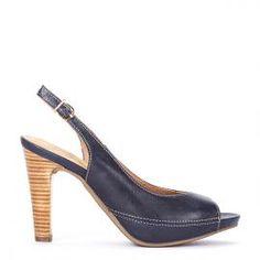 Peeptoe Pedro Miralles piel color azul y tacón madera #shoes #shoeporn #peeptoes #trends #ss16 #shoes #pedromiralles #shoeaddict #madeinspain