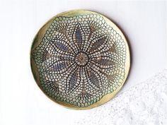 Mandala Keramik Teller, Boho Keramik Platte, Relief Mandala Platte, Mix Media Wand Deko, Interior Dekor, Wand Kunst Keramik by Tanja Shpal von ceralonata auf Etsy