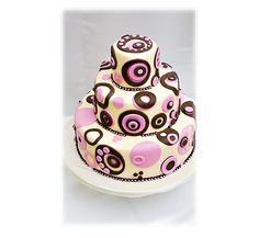 Retro Cake with Pink...so pretty. Would make a cute baby shower cake for a girl ;)