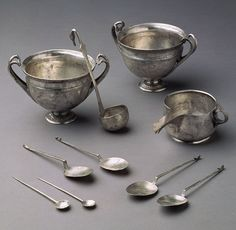 This group of silver tableware forms part of a hoard, said to be from Tivoli, near Rome. Tivoli was a popular site for luxury villas in the Late Republic, and was to Rome what Boscoreale and Boscotrecase in the Campanian countryside were to Naples Ancient Roman Food, Ancient Rome, Ancient Greek, Ancient History, Roman History, Art History, Roman Artifacts, Ancient Artefacts, Rome Antique