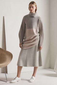 TSE Fall 2017 Ready-to-Wear Collection Photos - Vogue