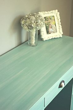 Annie Sloan chalk paint desk. Love this finish-very beachy!