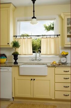 Pale Yellow Kitchen Walls Traditional By Donna Dufresne Interior Design Curtains