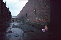 Magnum Photos - Glasgow by Depardon pink detail
