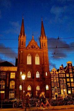 De Krijtberg - Sint Franciscus Xaveriuskerk (red brick church near the flower market) - Amsterdam