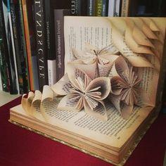 pliage livre, jardin de fleurs dans un livre