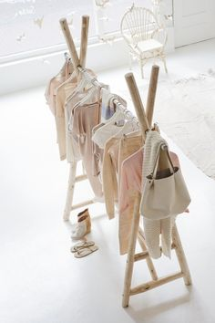 wood clothing displays: make one for little ones room