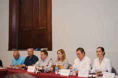 El pasado lunes 10 de Julio el titular de Desarrollo Social, Alonso Muñoz Chacón, asistió a la capital del estado a una reunión con personal de la SEDESOL..