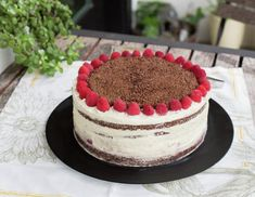 Raspberry Dulce de Leche Chocolate Cake or Torta Mixta in Chile is a delicious, traditional recipe. Chilean Recipes, Chilean Food, Puff Pastry Dough, Cake Flour, Recipe Images, Cake Mold, Oven Baked, Yummy Cakes, Chocolate Cake