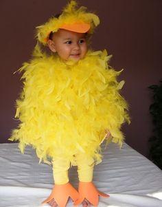 feet and beak from orange foam Toddler Duck Costume, Duck Halloween Costume, Duck Costumes, Bird Costume, Family Halloween Costumes, First Halloween, Pickle Costume, Chicken Crafts, Halloween Disfraces