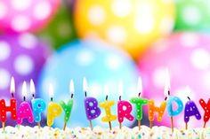 Com todo meu carinho e amizade, desejo muitas felicidades pelo seu aniversário. Parabéns!