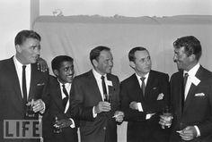 The Rat Pack: Peter Lawford, Sammy Davis Jr, Frank Sinatra, Joey Bishop, Dean Martin Dean Martin, The Rat Pack, Joey Bishop, Ronald Colman, Sammy Davis Jr, Jack Daniels, Classic Hollywood, Old Hollywood, Hollywood Stars