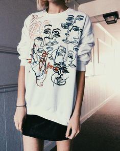 Tessa Perlow - Contour sweatshirt