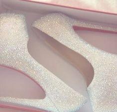 Der Schuh-Blog von Highheels bis Stiefeletten, Luxus-Schuhen, Espandrilles…