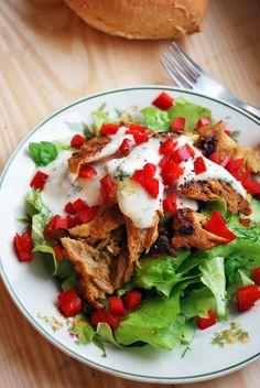 Vegaanihaaste - Vegaanin kanaton kanasalaatti Delicious Vegan Recipes, Raw Food Recipes, Veggie Recipes, Healthy Recipes, Veggie Food, Healthy Food, Korn, Vegan Vegetarian, Salads