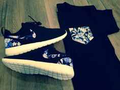 """Custom """"Blue Floral"""" Nike Roshe Run 