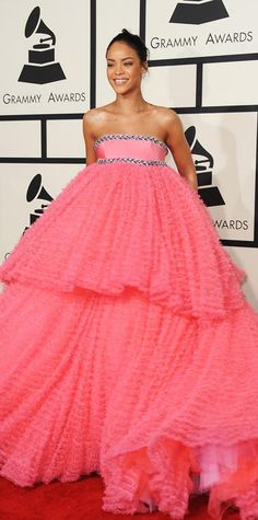 Grammys 2015 Red Carpet Arrivals - Rihanna in Giambattista Valli Spring 2015 Couture and #Chopard jewelry #InStyle