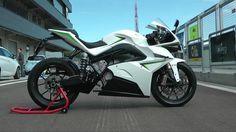 """Energica la moto elettrica non romba: """"sibila"""""""