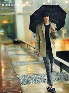 Korean Fashion Men, Men's Fashion, Won Jong Jin, Cool Poses, Figure Reference, Asian Boys, Ulzzang, Anatomy, Military Jacket
