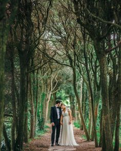 Elegant portrait beneath the trees | Image by The Markows Photography