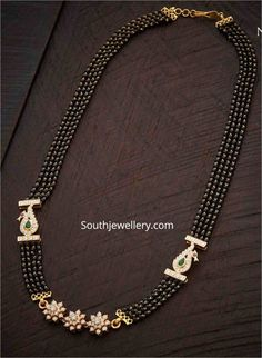 Pearl Necklace Designs, Jewelry Design Earrings, Bead Jewellery, Beaded Jewelry, Gold Jewelry, Trendy Jewelry, Jewelery, Gold Necklace, Gold Bangles Design