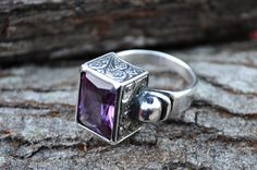 Beautiful bohemian style ring with peacock purple stone Bohemian Rings, Bohemian Style, Silver Bracelets, Silver Jewelry, Jewelry Crafts, Handmade Jewelry, Pretty Rings, Rings For Men, Gems