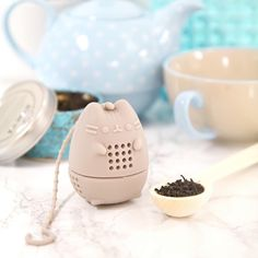 🍵 Pusheen Tea Infuser - NIB 📦🌟 Holds loose leaf teas - Brand new in box Other Crazy Cat Lady, Crazy Cats, Gato Pusheen, Pusheen Stuff, Tea Infuser, Cute Mugs, Cool Stuff, Stuff To Buy, Tea Pots